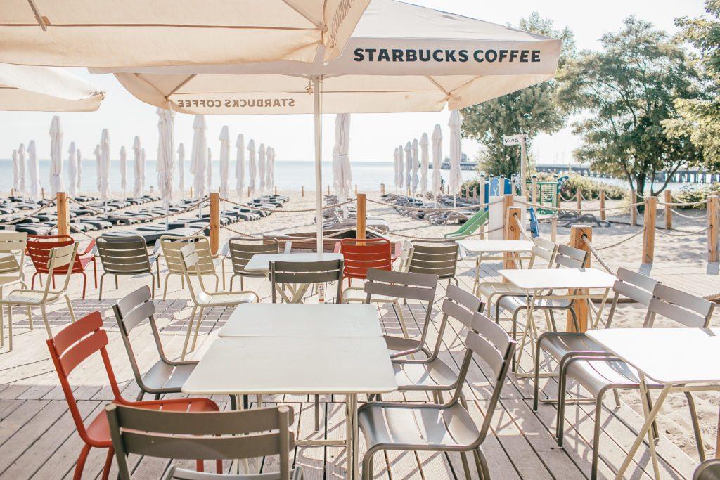 kawiarnia-starbucks-sopot-plaża